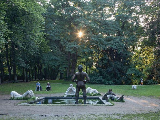 Nicole Eisenman, Sketch for a Fountain (2017). Photo: Henning Rogge
