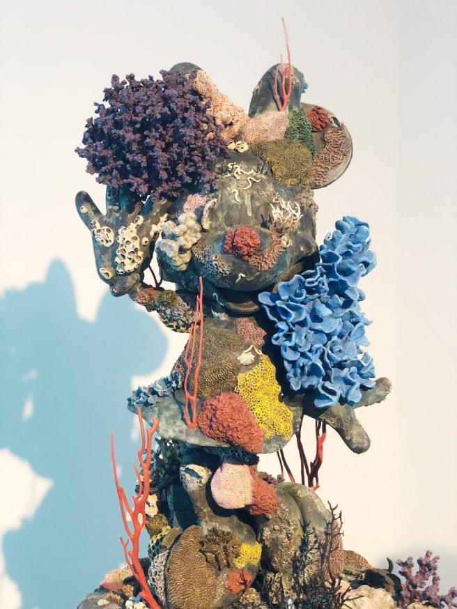 מוזיאון-חיפה-לאמנות-תערוכה-פייק-ניוז3-דמיאן-הירסט-אוצרות-הספינה-הטרופה-של-תיאמן-1440x1920.jpg